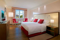 Sheraton-Grand-Salzburg_King-Deluxe-Park-View-Guest-Room_web